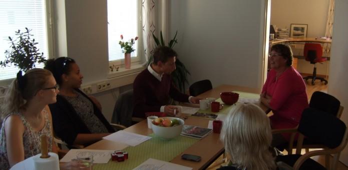 Ett utskottsmöte på distriktskansliet